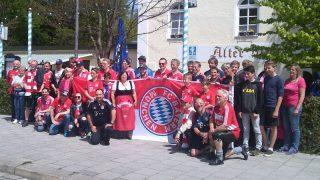 Alpen-Reds - auf der Fahrt zum FCB-Spiel